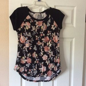 Woman's Stretch Floral T-shirt , Size M